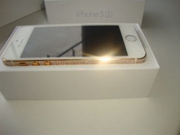 Apple  iPhone 5s 16G 32G 800 million pixels 4 inches 1136x640 pixels
